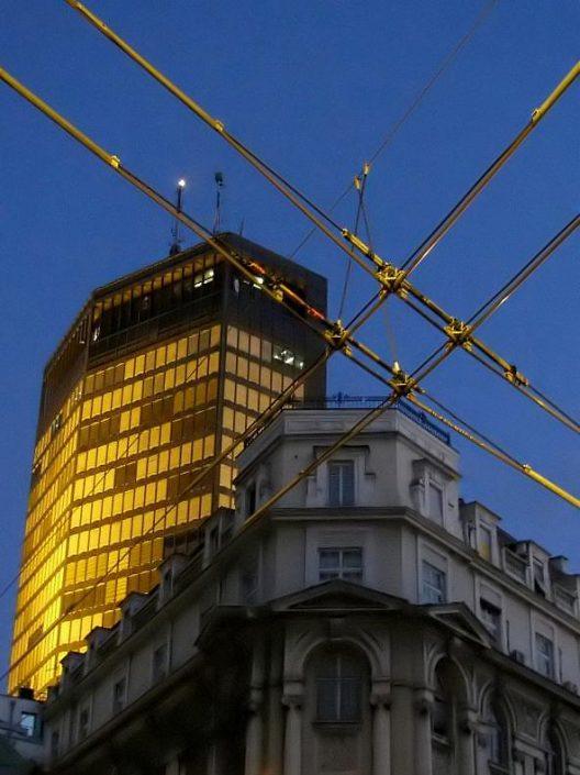 Robne Kuce Beograd, 100.000 m², tehničko i higijensko održavanje, centrala, 32 tržna centra
