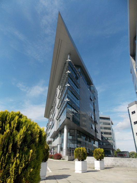 HETA Asset Resolution, 3,000 m², Property Management, Head office